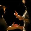 «أولاد الصمت» مسرحية بـ...لغة الاشارة