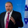 وزير الدفاع الاسرائيلي يرحب بقطع العلاقات مع قطر