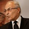 الإمارات تمنع مرشح لمنافسة السيسي من السفر