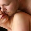 جاذبية النساء: معاكسة ما بين الفرمونات والهرمونات