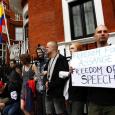 الإكوادور تتحدى بريطانيا وتمنح أسانج اللجوء