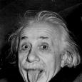 اينشتاين: هل تصح نظرية البعد الرابع؟