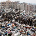 النفايات تخنق لبنان