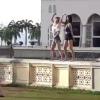 ماليزيا: منع السياح من زيارة مسجد بسبب رقص امرأتين أمامه