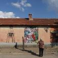 رسومات متحف نيويورك للفن الحديث تزين شوارغ قرية بلغارية