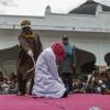 ماليزيا: الجلد لامرأتين بسبب ممارسة علاقة جنسية مثلية