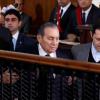 مبارك يواجه خليفته مرسي في المحكمة