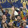 فرنسا تكرم منتخبها الوطني بطل العالم