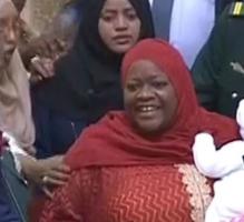 كينيا: طرد نائبة من البرلمان اصطحبت رضيعها