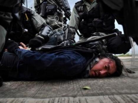 عنف الشرطة ضد تجمعات هونغ كونغ