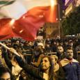 لبنان: مظاهرة أمام منزل الرئيس المكلف تطالبه بالاعتذار عن التأليف