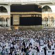 كورونا: السعودية تعلّق مؤقتاً دخول المعتمرين